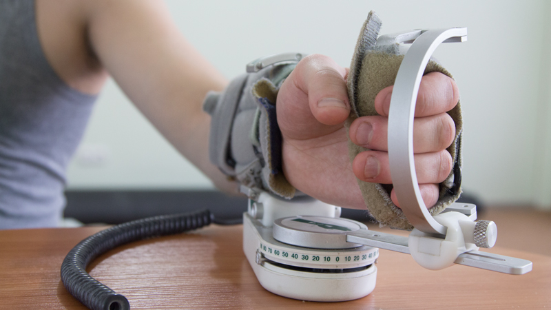 Аппарат для пассивной длительной разработки лучезапястного и локтевого сустава