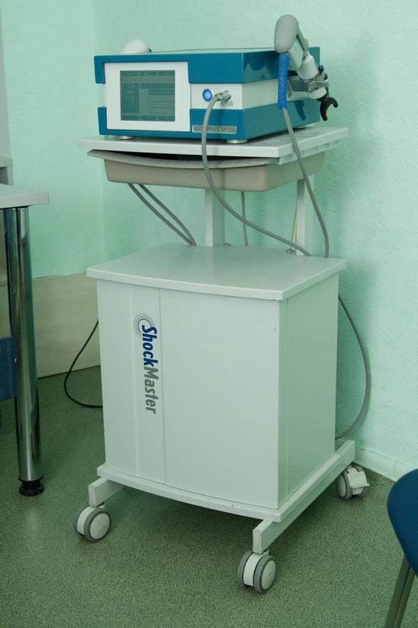 Аппарат ударно-волновой терапии Мастерпульс 200 от Storz Medical для травматологических показаний.