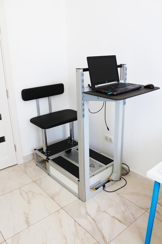 Тактильный 3D-сканер поверхности стопы для изготовления индивидуальных ортопедических стелек.